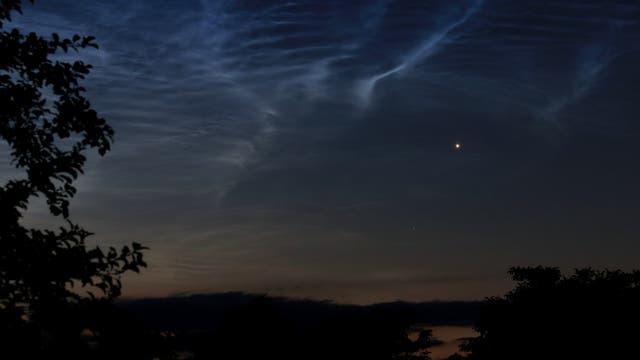"""Leuchtende Nachtwolken mit """"Morgenstern"""""""