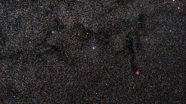 Kokonnebel im Sternenmeer der Milchstraße