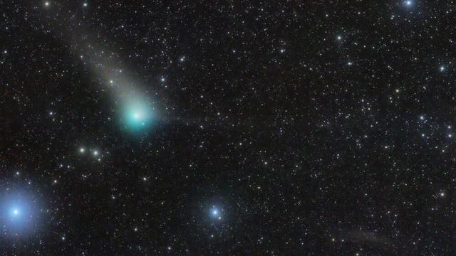 Comet PanSTARRS approaches Earth