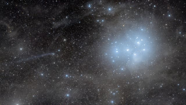 Comet C/2016 R2 PANSTARRS next to Pleiades
