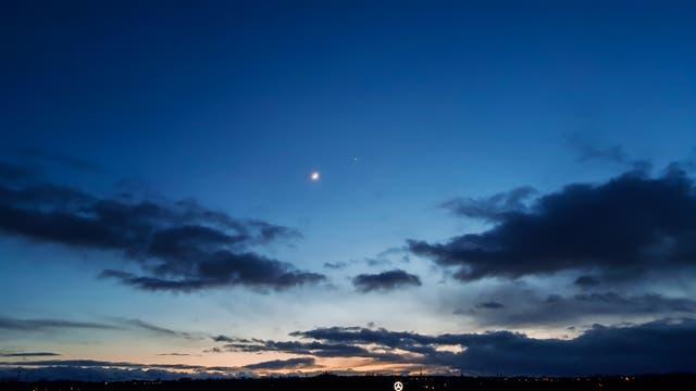 Mond trifft auf Venus