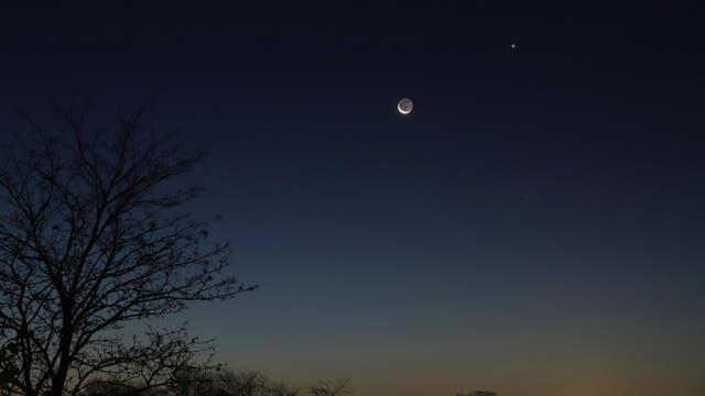 Merkur, Mondsichel und Venus am Morgen über Uelzen