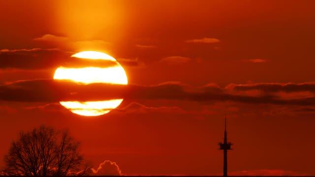 Sonnenuntergang mit Funkturm bei Uelzen