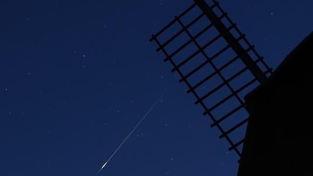 Heller Meteor über der Kaisergarten-Mühle bei Uelzen
