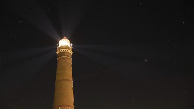 Jupiter neben dem Neuen Leuchtturm Borkum