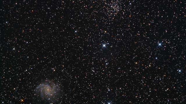 NGC 6939 und NGC 6946 - grundverschiedene Zwillinge