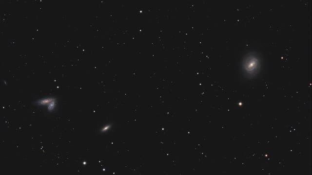"""SN 2020fqv in den """"Siamesischen Zwillingen"""" mit M58"""