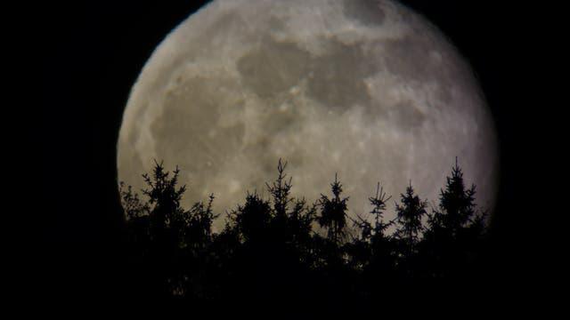 Mondaufgang in Schutz (Vulkaneifel)