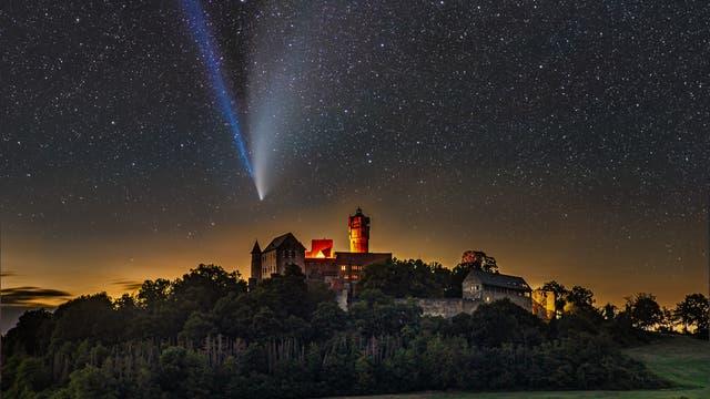 Komet Neowise über Ronneburg – Komposit