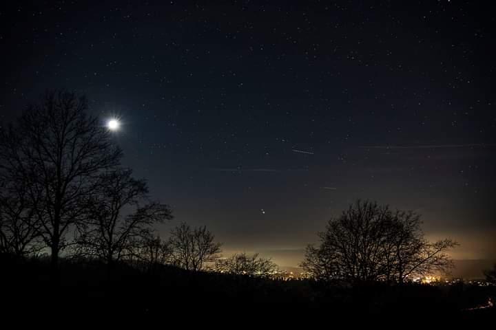 Mond Saturn und Jupiter über Postbauer-Heng