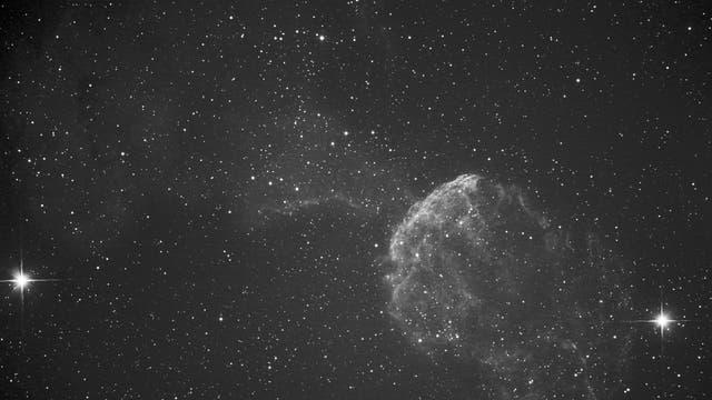Quallennebel IC 443 im Sternbild Zwillinge in der H-Alpha-Version