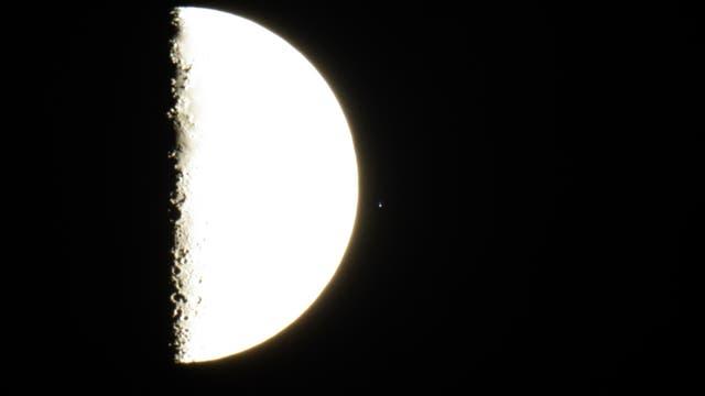 Austritt des Stern Acrab im Skorpion nach der Bedeckung durch den Mond
