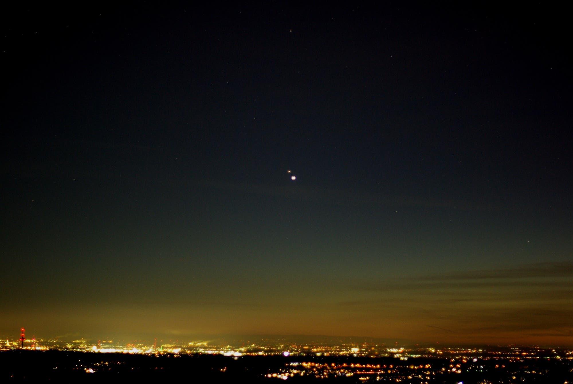 Die Riesenplaneten als Doppelstern über das Bergische Land