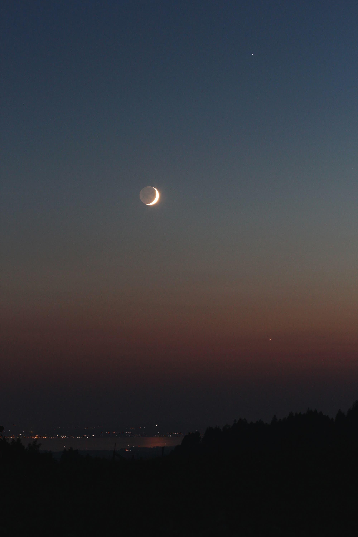 Venus und Mond über dem Bodensee