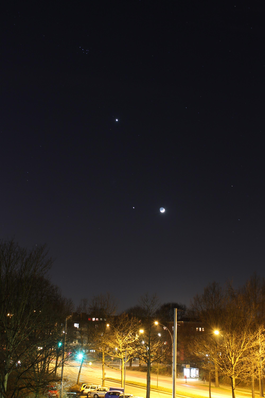 Mond, Jupiter und Venus über Hamburg am 25.3.2012