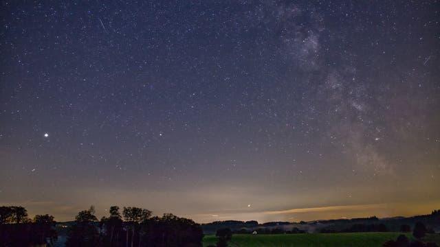 Jupiter, Saturn und die Milchstraße am 2. August 2021