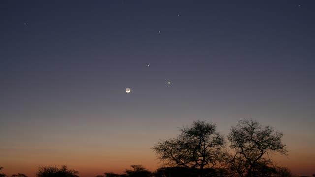 Dreiertreffen mit Mond