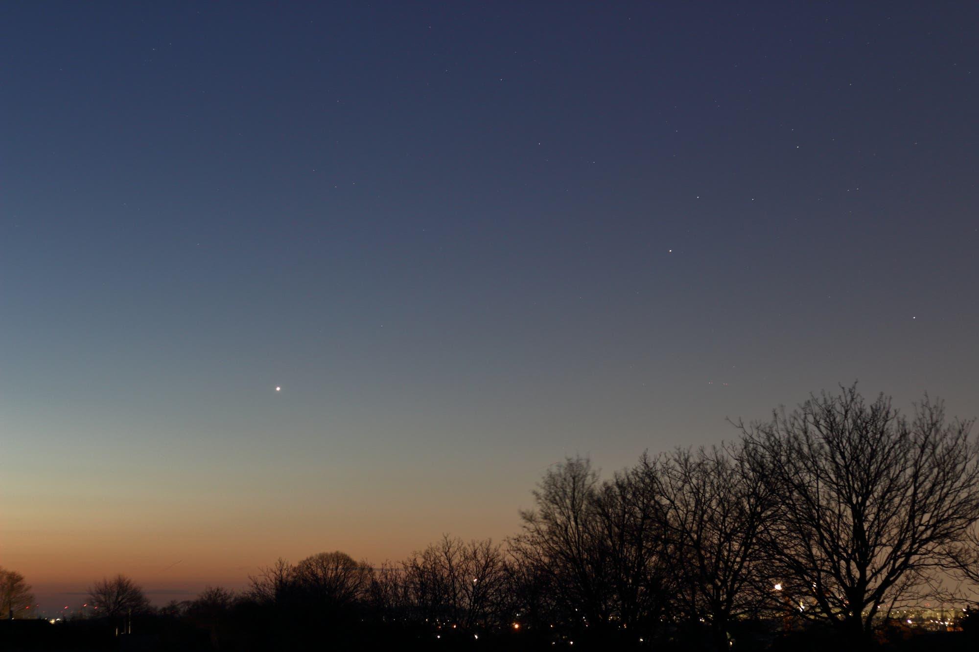 Venus und Saturn am Morgenhimmel