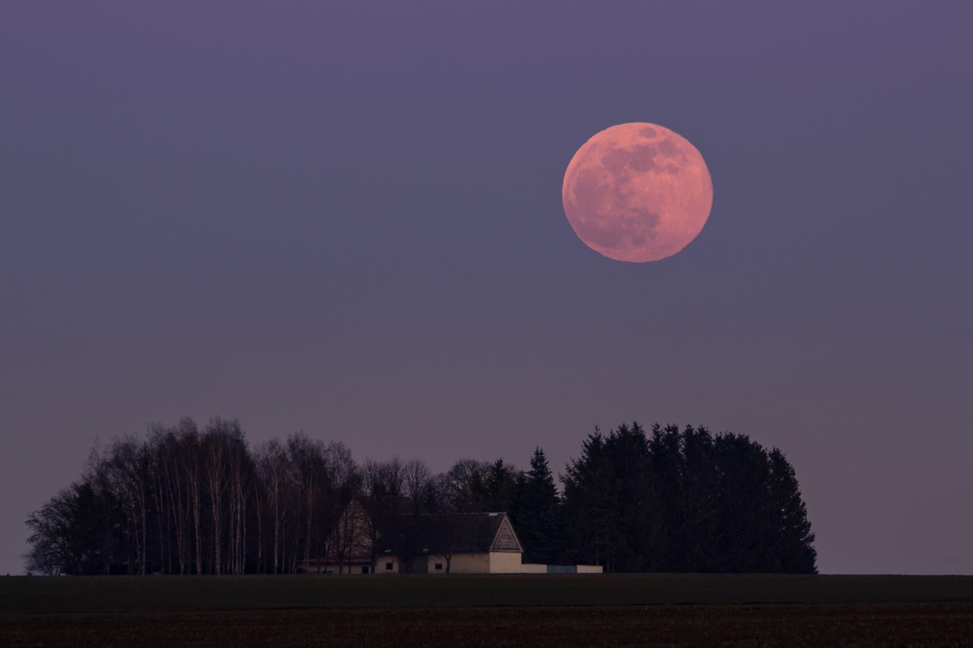 Wunderschöner Mondaufgang am 19. Februar 2019