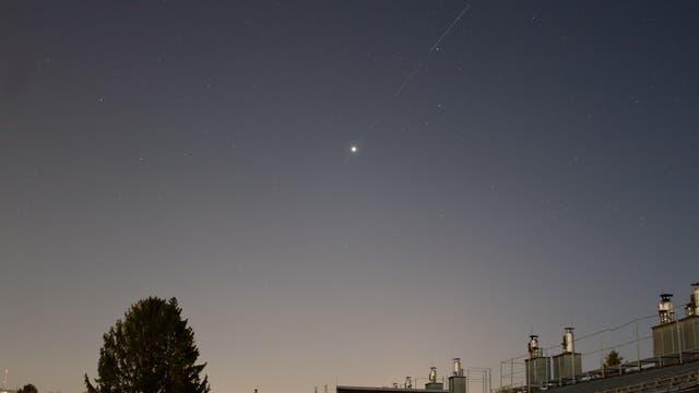 Venus, Uranus und eine Satelliten-Kette