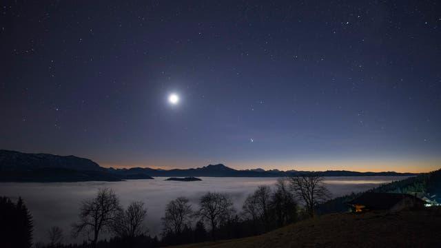 Mond, Jupiter und Saturn drei Tage vor der Großen Konjunktion