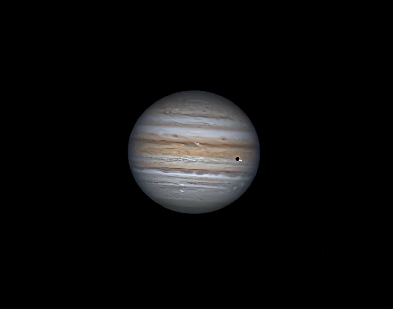 Jupiter mit Io und ihrem Schatten