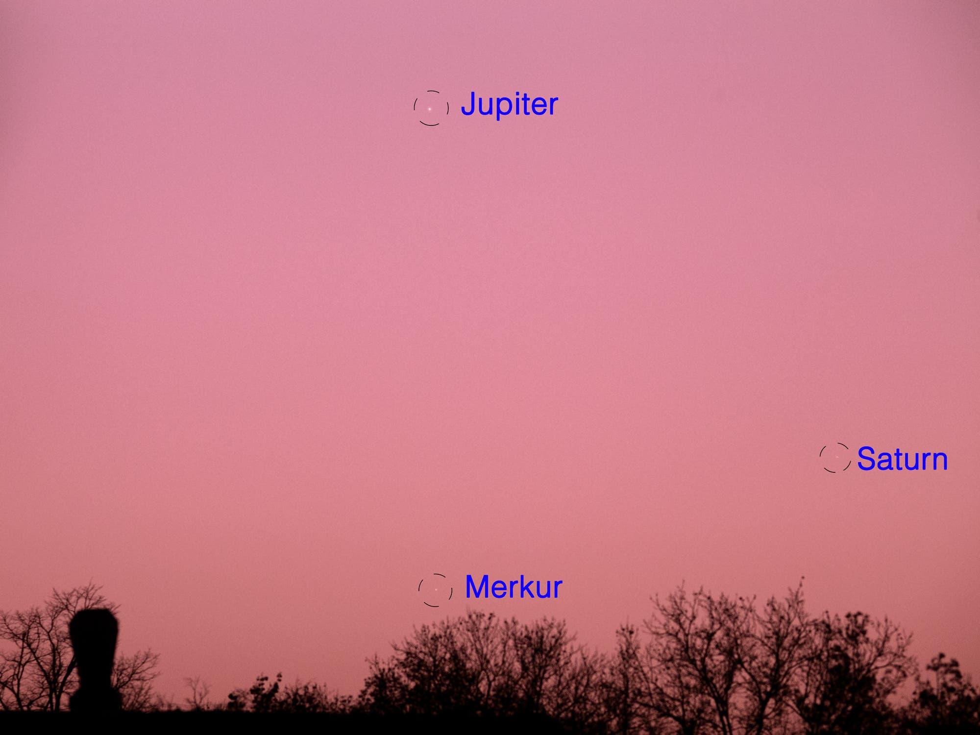 Jupiter, Merkur und Saturn am 10. Januar 2021