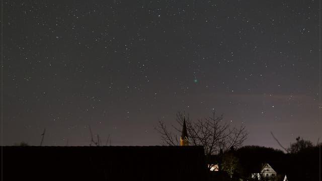 Komet Lovejoy einen Tag vor Heiligabend