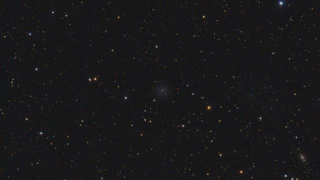 Dwarfgalaxie Leo II und Kleinplanet Sidonia