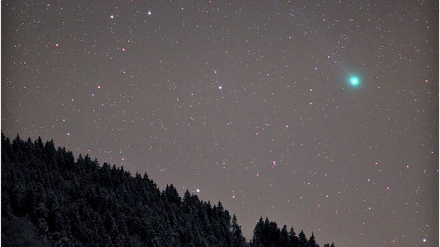 Lovejoy in kalter Winternacht