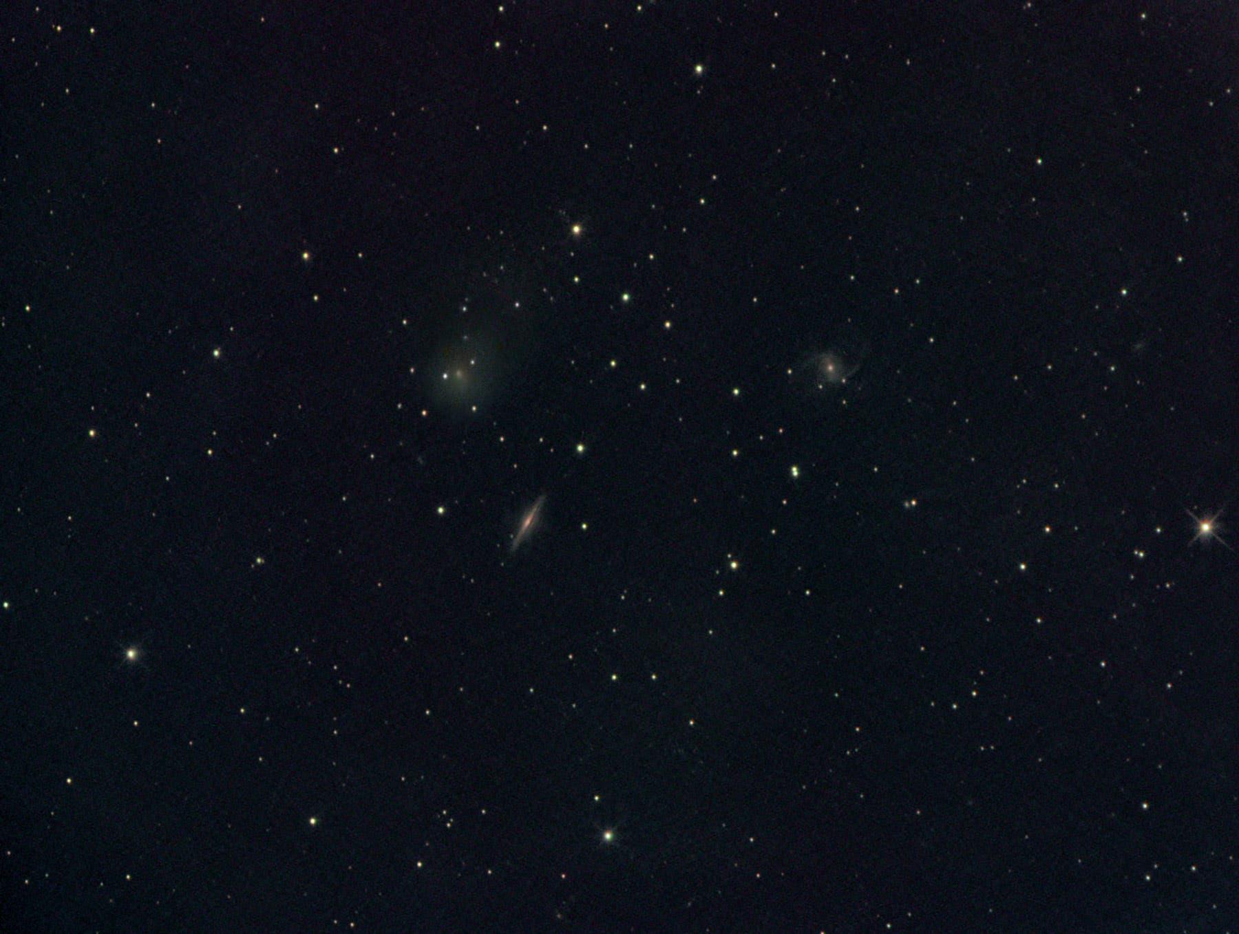 Lovejoy C/2014 Q2 bei NGC 5905 und NGC 5908