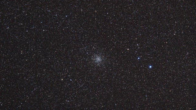 Messier 71 im Pfeil