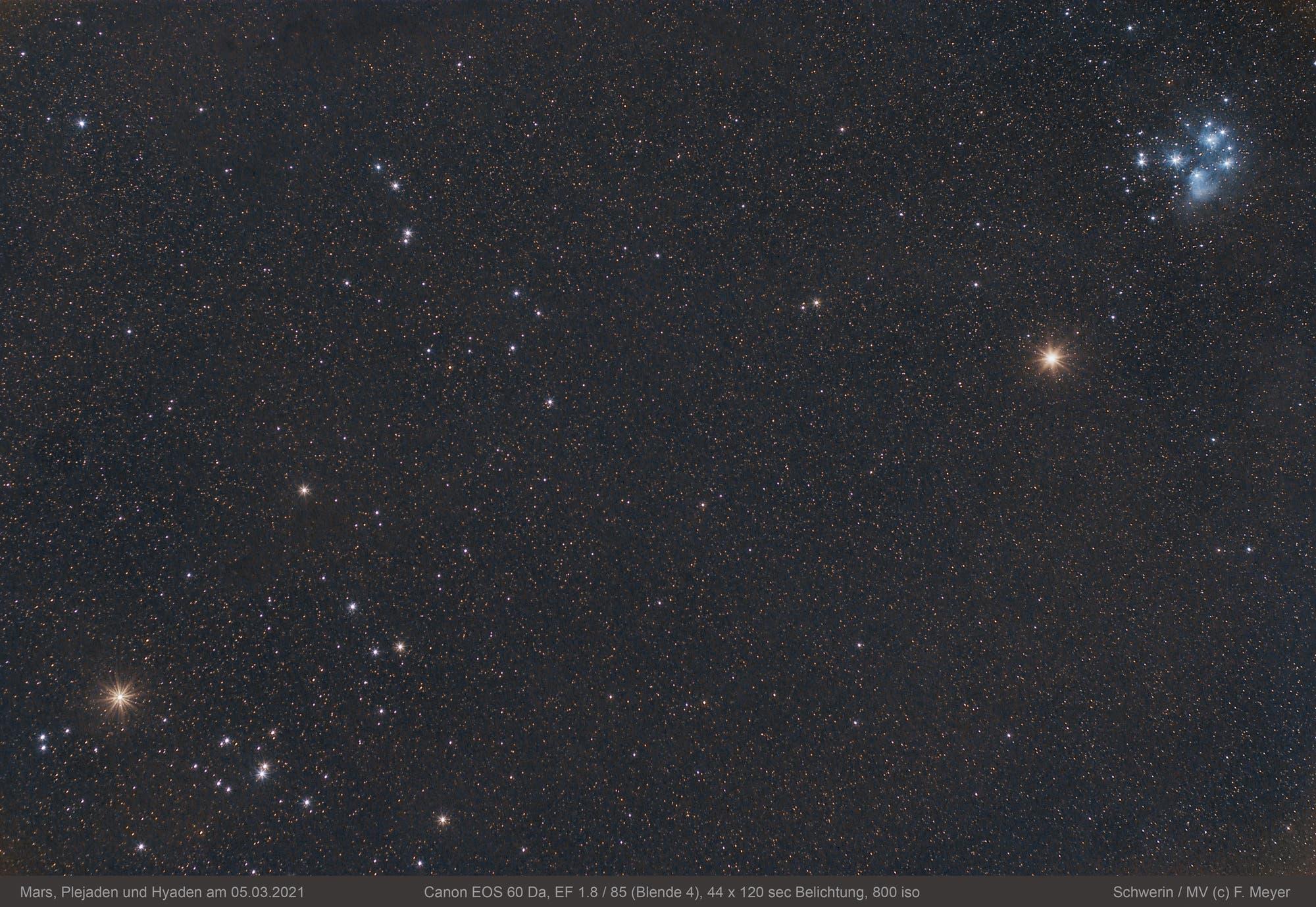 Mars, Plejaden und Hyaden am 5. März 2021