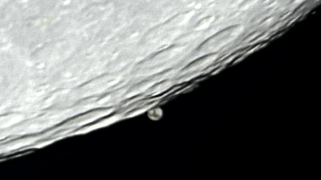 Mond streift Mars, Detail 2
