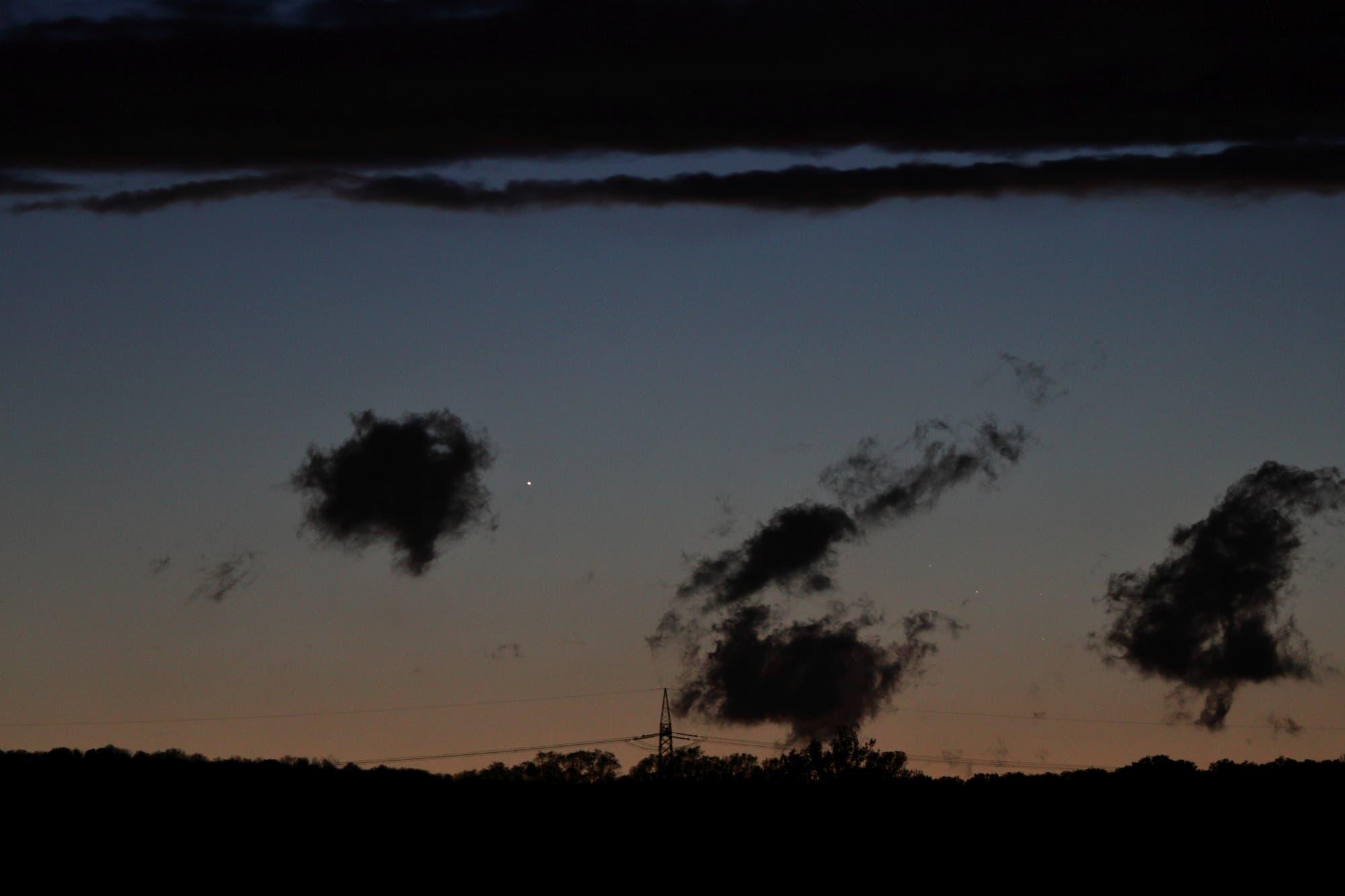 Merkur und Pleiaden am Abendhimmel