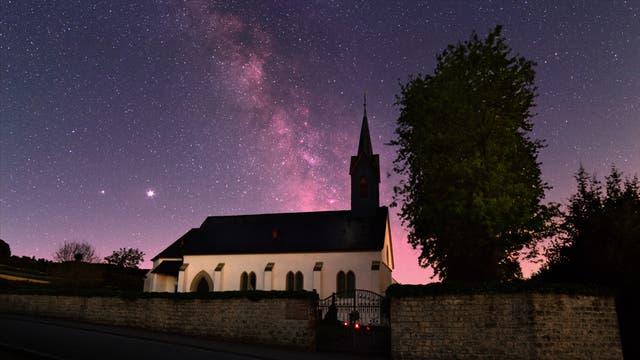 Der Sternenhimmel über der Rochuskapelle