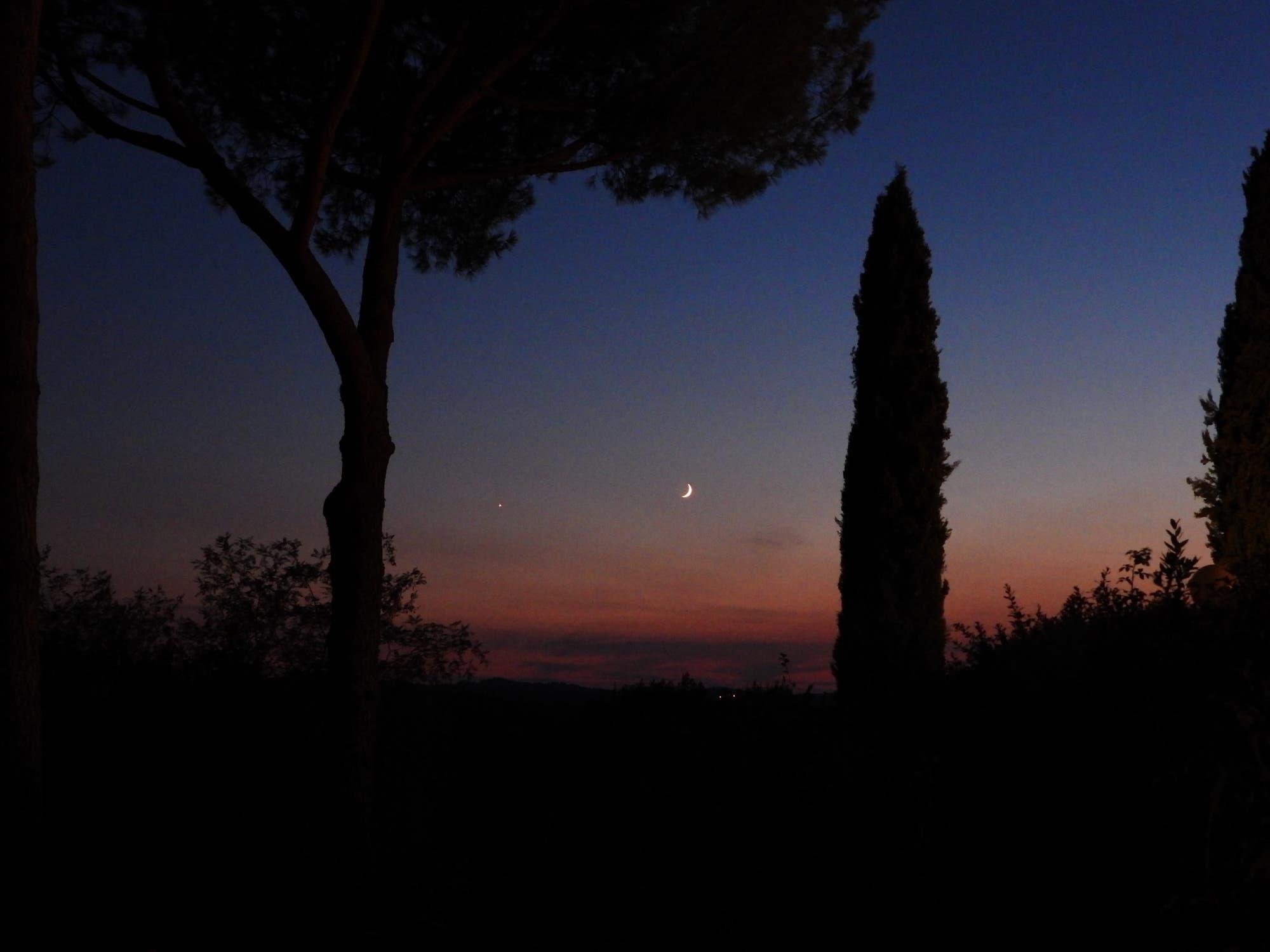 Mond trifft Venus in der Toskana