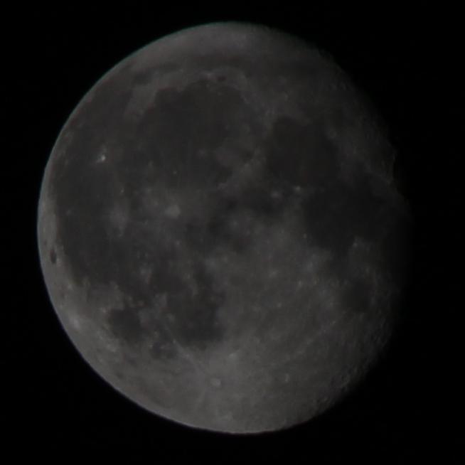 Der Mond drei Tage nach der Mondfinsternis