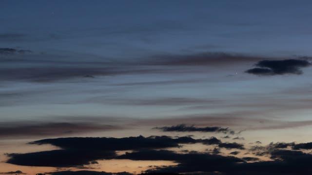 Mond mit Erdschein und Merkur