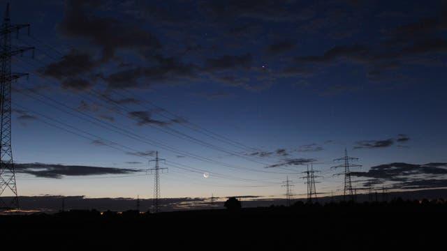 Mond und Venus am Morgenhimmel