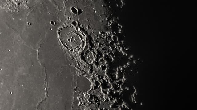Mond am 25. September 2021