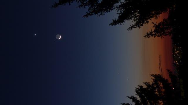 Mond, Regulus, Venus, Merkur und Mars über Wien