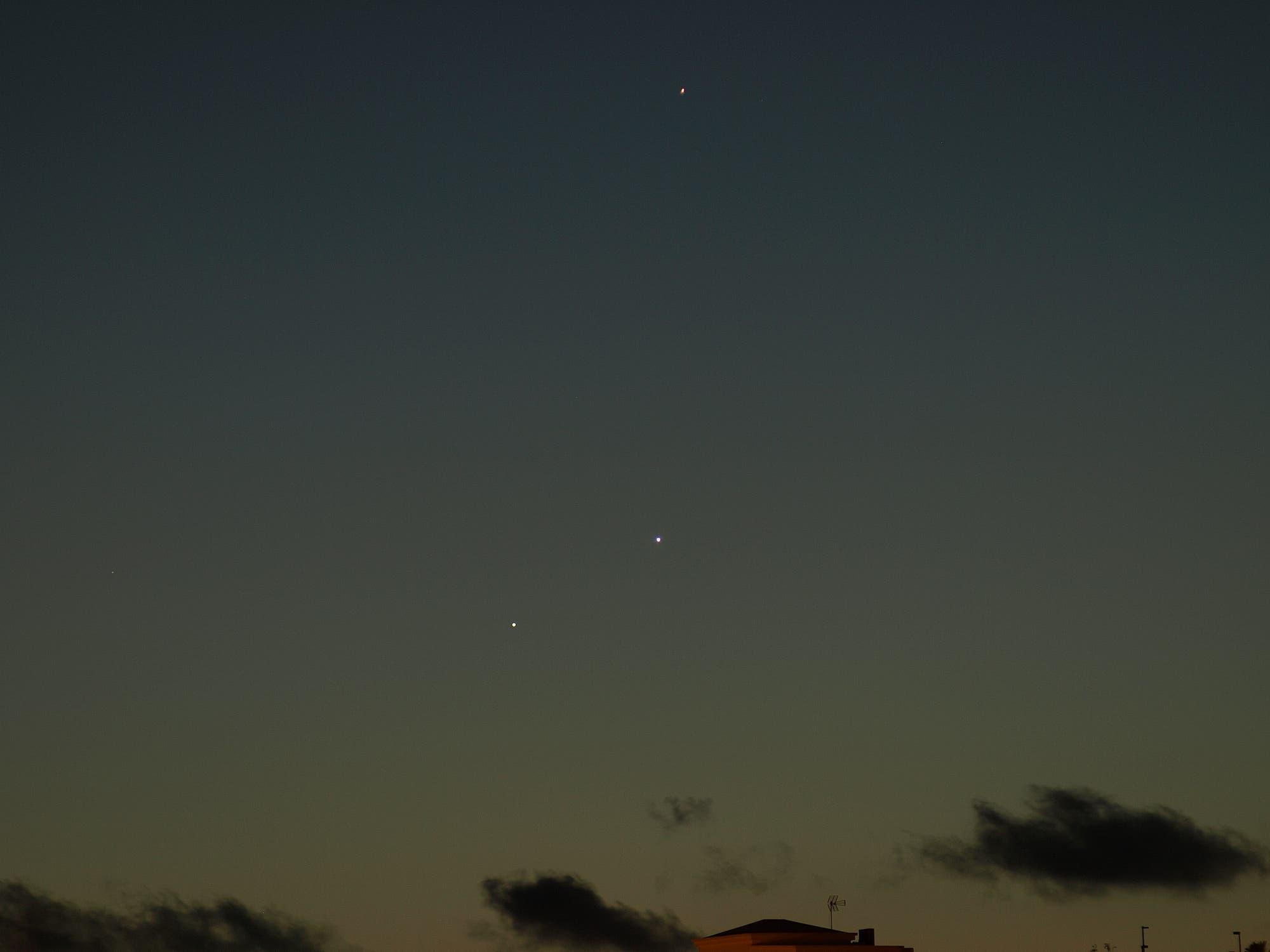 Lanzarote: Konjunktion von Jupiter, Venus, Merkur 28. Mai 2013