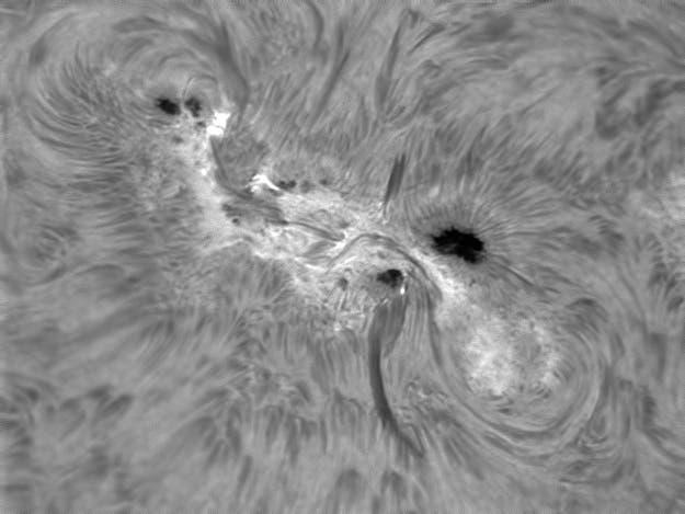 Sonnenfleck 1429 mit aktiver Umgebung am 9. März 2012