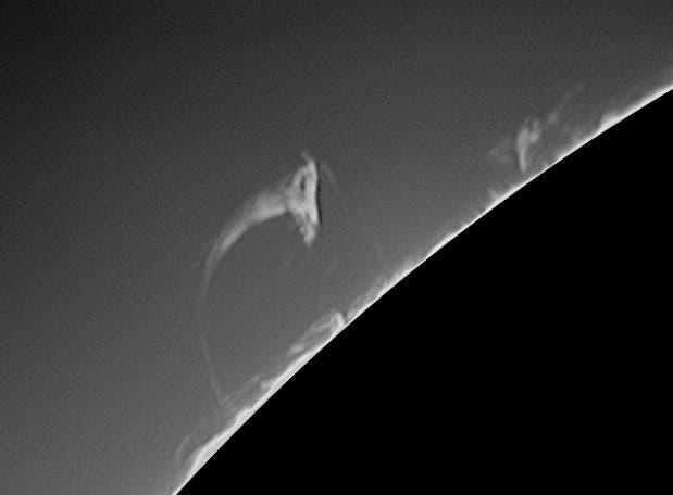 Sonne im H-alpha-Licht  Protuberanz