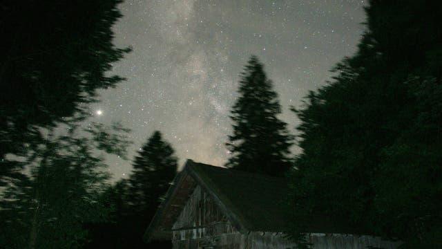 Sommernacht auf dem Land