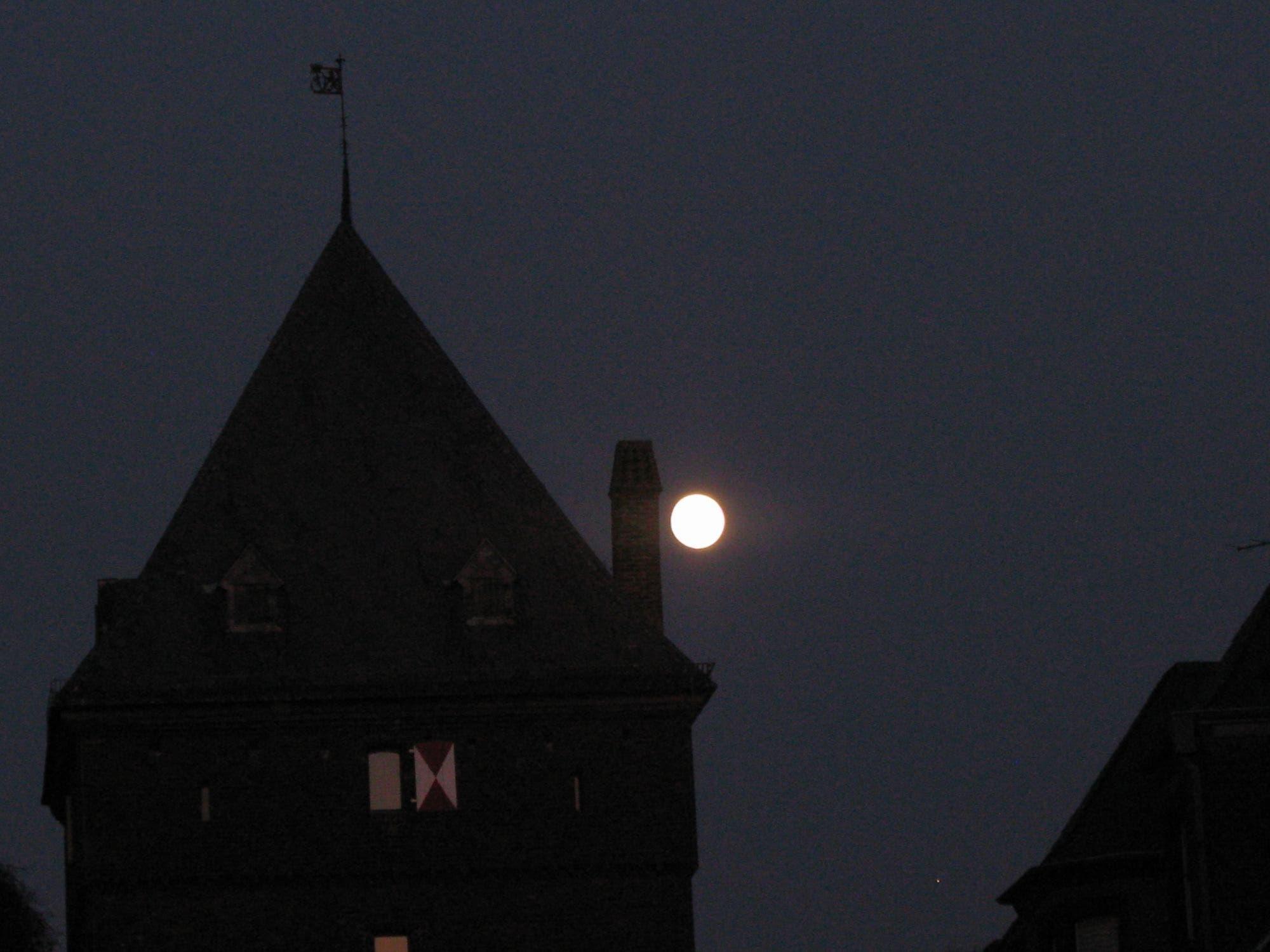 Mond am Schelmenturm