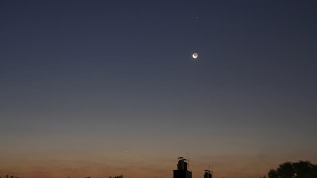 Mond und Merkur am Morgenhimmel