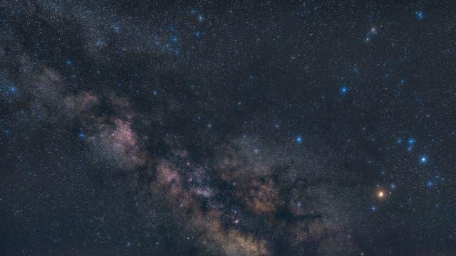 Milchstraße, Antares und Dunkelwolken