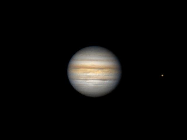 Jupiter und Io am 7. Juli 2021